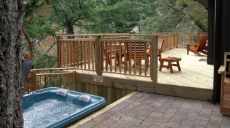 Madrona-Cottage-deck-area1