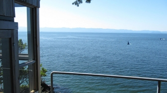 Seacliff-gazebo-with-orcas