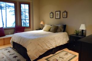 2nd-bedroom-main-floor-3b