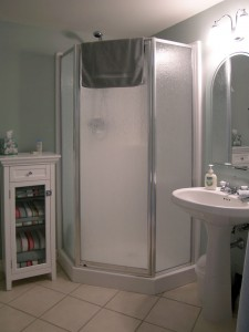 Madrona-Cottage-2nd-bath-1