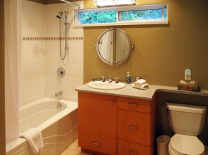 Spindrift-Cottage-Bath1