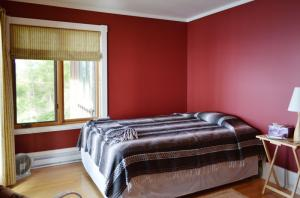 upstairs-bedroom-3b