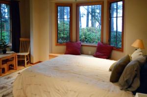 2nd-bedroom-main-floor-1b